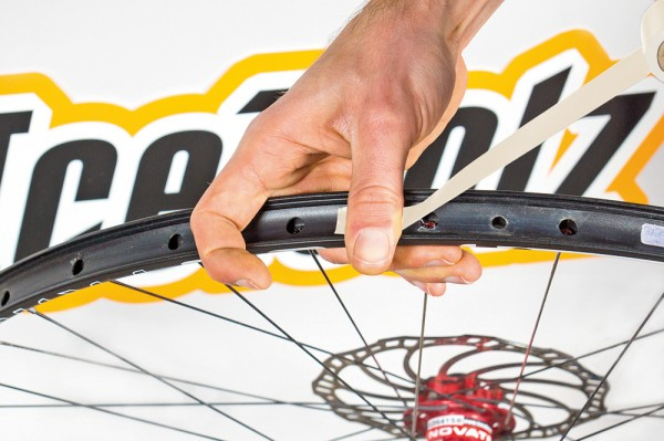sb3 pose fond de jante scotch tape tubeless