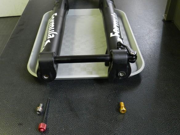écrou et molette de compression détente jambage pièce détachée spare parts fourche Formula RideFormula