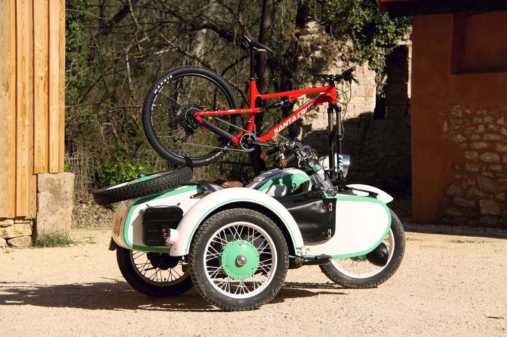 SEASUCKER-URAL-porte vélo ventouse side car moto véhicule transport