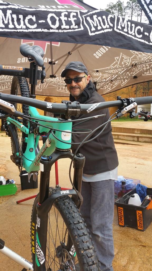JL test santacruz juliana santa cruz days 2017 journée test revendeur tente Muc Off nettoyage vélo Mucoff